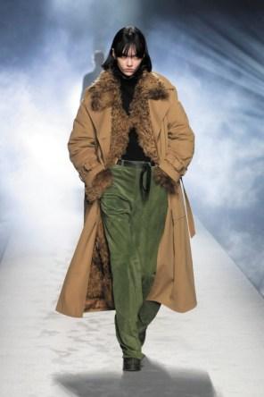milano-fashion-week-moda-milano-sfilate-moda-sfilate-milano-alberta-ferretti-24-milano-fashion-week-moda-milano-sfilate-moda-sfilate-milano-alberta-ferretti-640x960