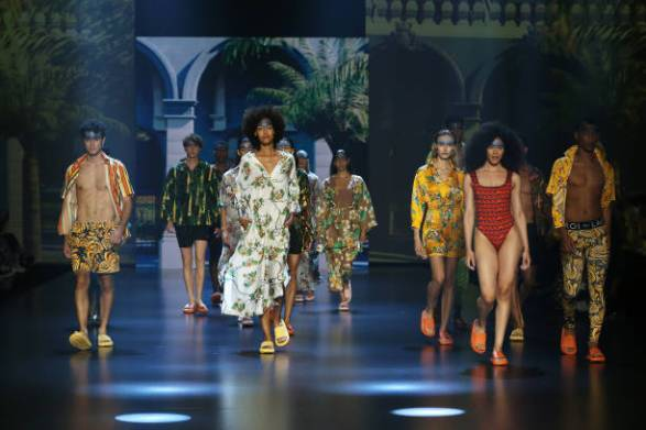 """ROME, ITALY - JULY 09: Models walk the runway at the Roi Du Lac """"Cuba Libre"""" fashion show during Altaroma 2021 at Cinecitta Studios on July 09, 2021 in Rome, Italy. (Photo by Elisabetta Villa/Getty Images)"""