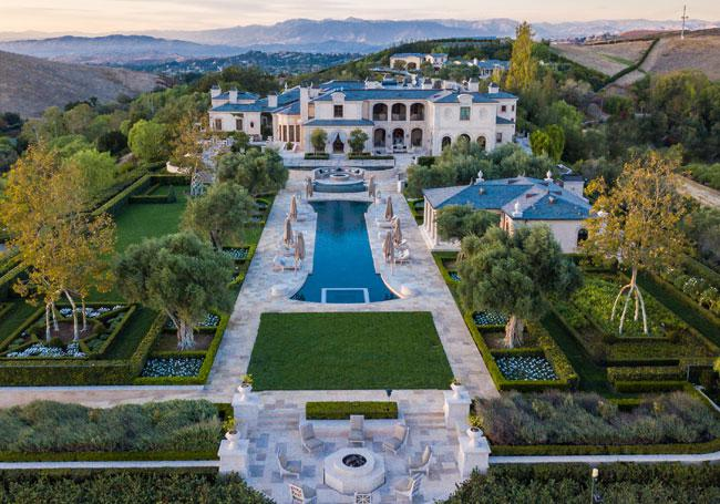 Vaunted Mansions Billionaire Homes For Sale In America