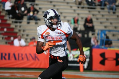 Central Arkansas wide receiver Dezmin Lewis (15) runs up the field during the South team practice for the 2015 Senior Bowl at Ladd Peebles Stadium in Mobile, AL on January 21, 2015. (AP Photo/Johnny Vy)