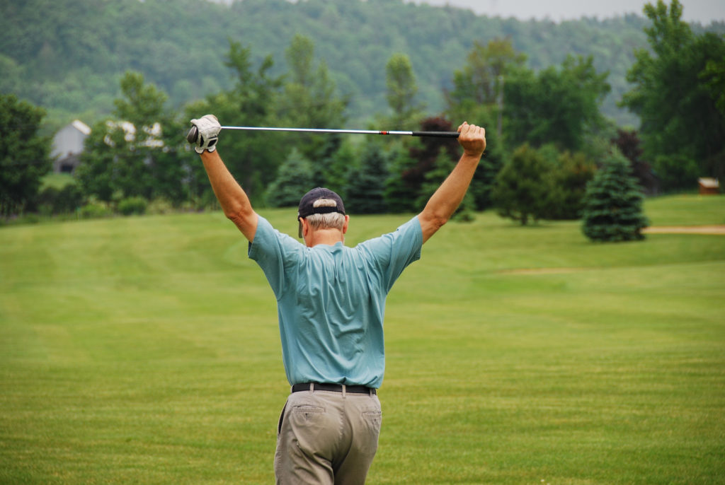 Post Golf Stretches – Use These Stretches Before You Swing the Golf Club