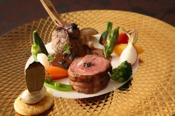 骨付き仔羊肉のロースト・ソースモリーユ.JPG