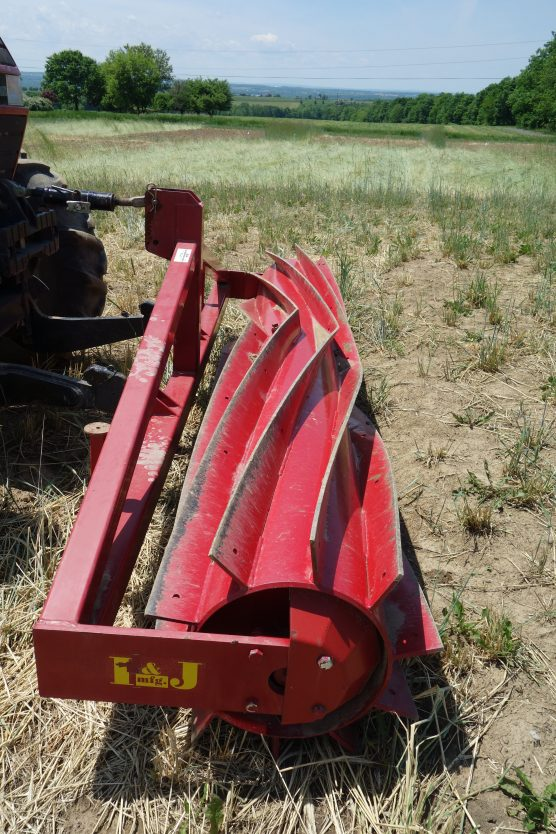 The roller-crimper used for the No-till treatment