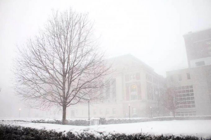 [Photo courtesy of Nina Xu | On campus things were just as snowy.]