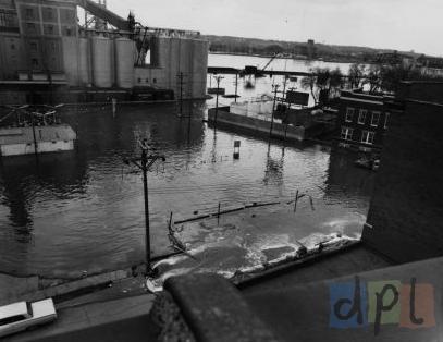 river-drive-east-flood-1965.jpg