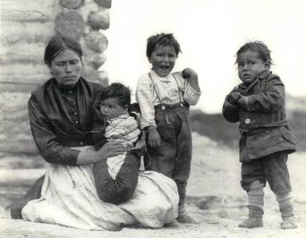 2282 - Native Family