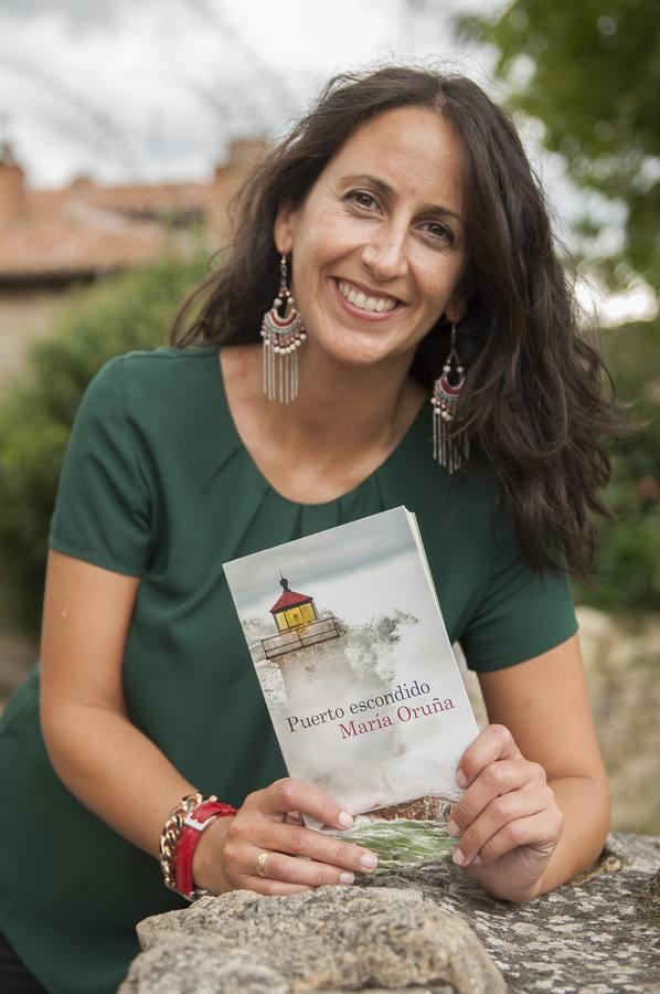 Maria Oruña, crímenes en la costa de Cantabria | Pompas de papel