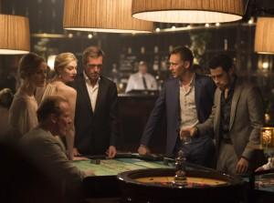 el-infiltrado-the-night-manager-john-le-carre-tom-hiddleston-hugh-laurie-antonio-de-la-torre-els-bastards-critica-serie-amc