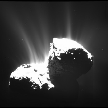 Imagen de la cámara de gran angular OSIRIS adquirida el 22 de noviembre 2014 a partir de una distancia de 30 km del cometa 67P / CG.  La resolución de la imagen es de 2,8 m / pixel.  Créditos: ESA / Rosetta / MPS para OSIRIS equipo MPS / UPD / LAM / IAA / SSO / INTA / UPM / DASP / IDA