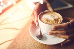 Café, até 3 xícaras ao dia, traz benefícios para a saúde