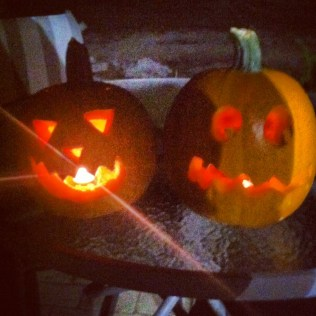 This is something I did around this time last year when I went home - carved pumpkins with my boyfriend!