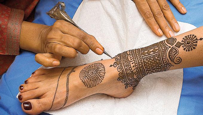 No Te Hagas Tatuajes Con Henna Negra Línea De Consumo Blogs Hoyes
