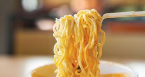 Cara memasak mie instan yang baik dan sehat