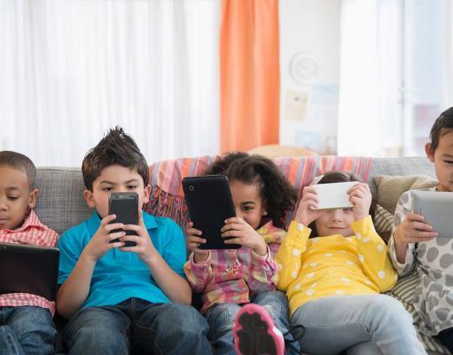 Cara mengatasi Anak kecanduan gadget atau hp