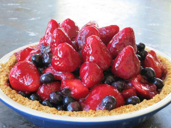 Recipe Fresh Blueberry and Strawberry Pie aka It39s Still
