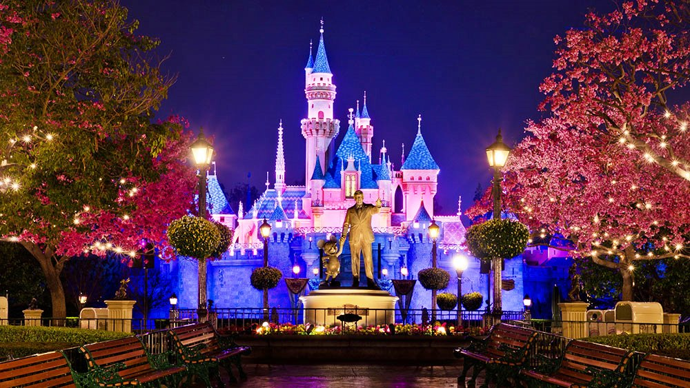 whichwayla disneyland makes growth contingent on tax breaks