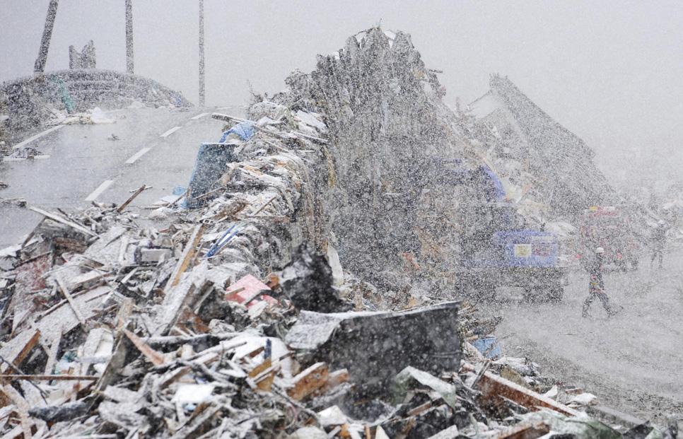 Japan_Earthquake_TOK871