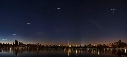 Fotografía de los planetas al amanecer tomada por Stan Honda desde NYC. http://www.stanhonda.com