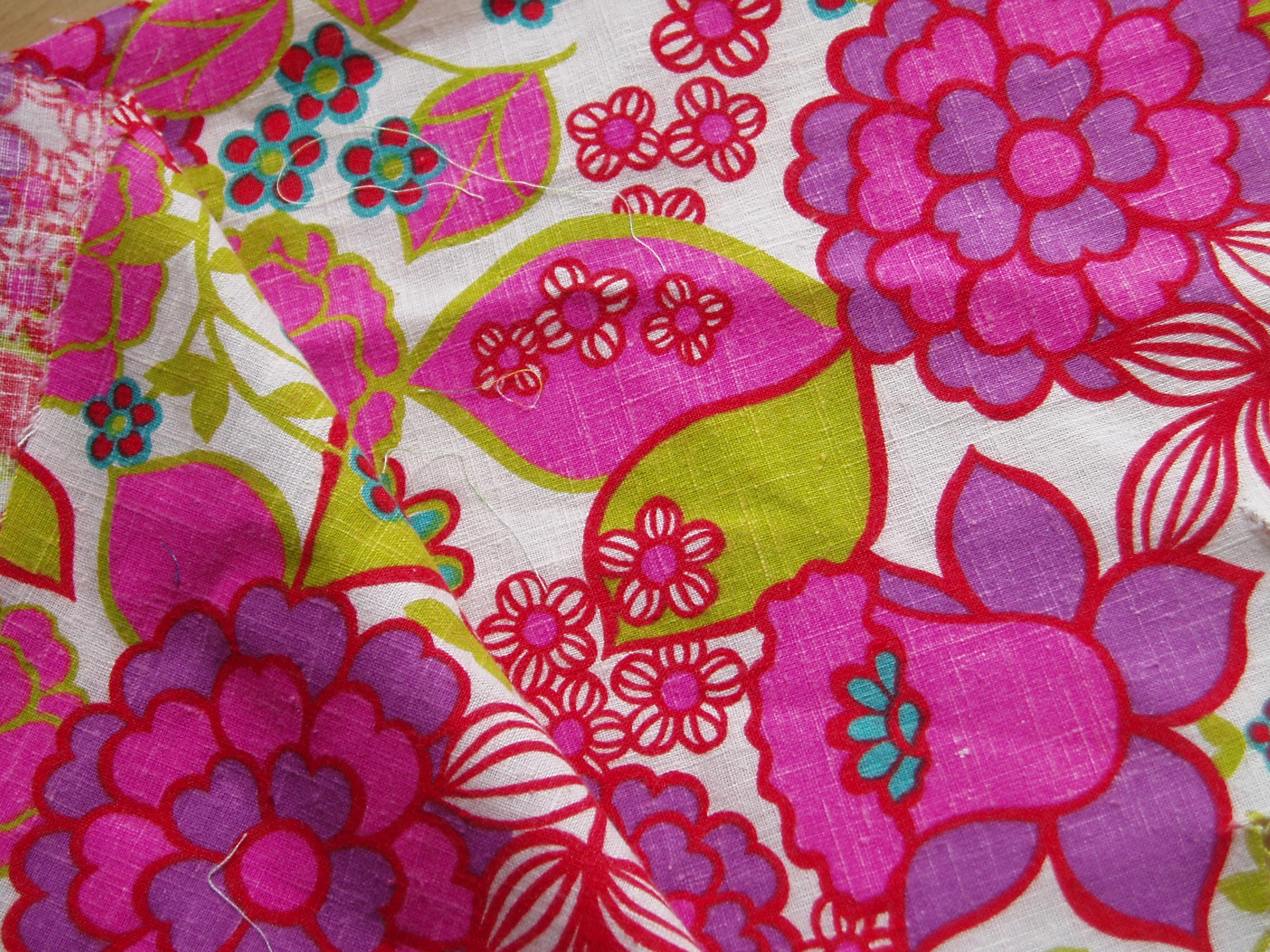 vintage-fabric-pretty-in-pink.jpeg