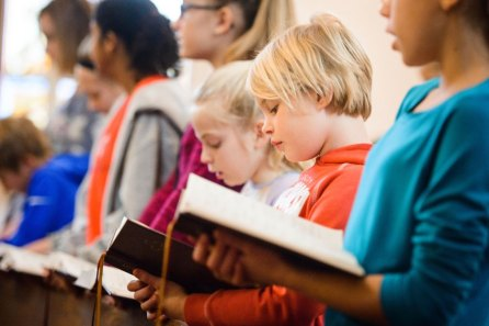 Students from St. John's Lutheran School sing during chapel in the church on Wednesday, Nov. 15, 2017, in Racine, Wis. (LCMS/Erik M. Lunsford)