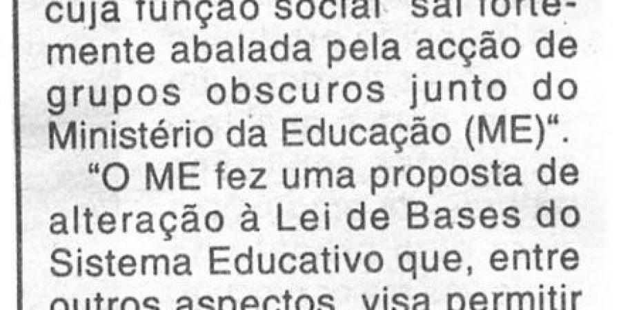 """(309) """"Letras ameaça fazer greve"""" - 1996 10 08 CManha ...-100r"""