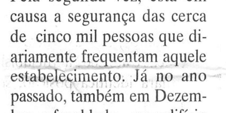 """(125) """"Faculdade de Letras do Porto encerra por motivos de segurança"""" - 1999 12 15 DEconómico ...-120r"""