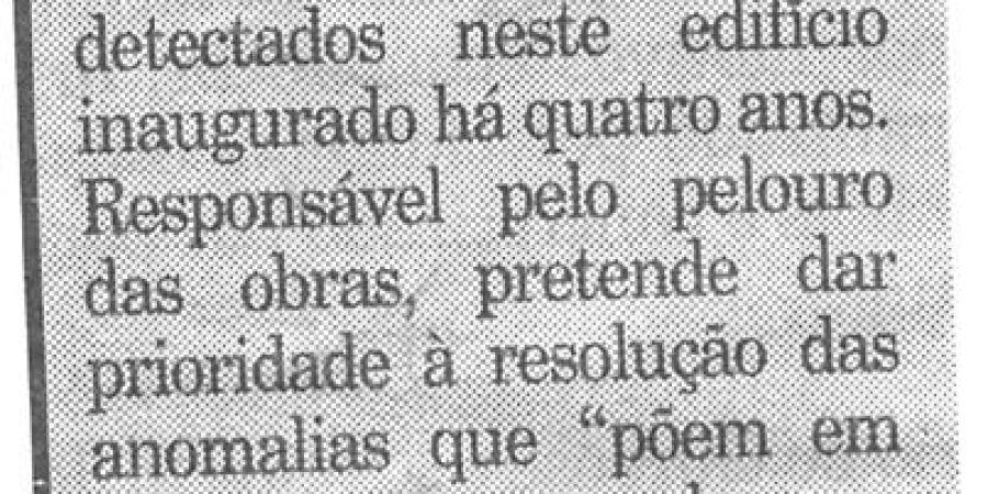 """(122) """"Azulejos fora de Letras"""" - 1999 12 17 Publico ...-60r"""