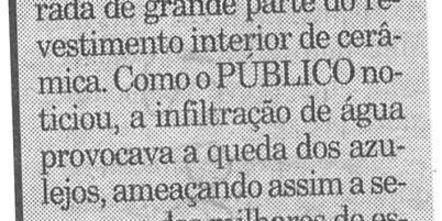 "(119) ""Letras do Porto reabre no dia 10"" - 2000 01 08 Publico ...-50r"