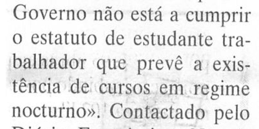 "(106) ""Greve dos alunos na faculdade de Letras do Porto"" - 2000 02 29 DEconomico 12-100r"