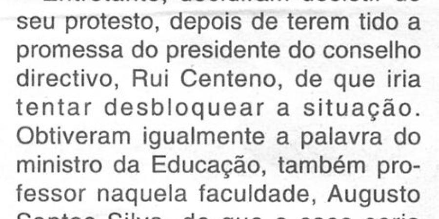 """(23) """"Estudantes barricados conseguem promessas"""" - 2000 12 02 CManha 22-90r"""