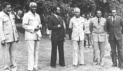 Robert Mugabe of Zimbabwe and Julius Nyerere of Tanzania (2nd and 3rd from the right) were also advocates of reconciliation post-independence
