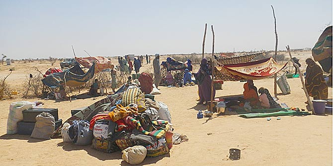 Refugee families from Mali  in Mentao refugee camp, northern Burkina Faso Photo Credit: Oxfam International via Flickr (http://bit.ly/2dDJsgj) CC BY-NC-ND 2.0