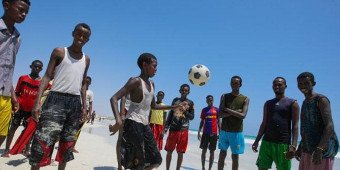 boys_on_beach