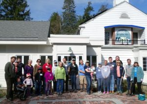 staff and volunteers gather for Statewide Volunteer Day in April