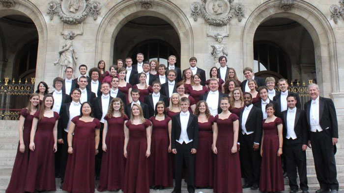 Alumnus set to film inauguration trip with Chorale