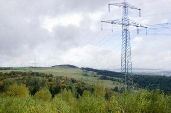 Stromtrasse durch den Thüringer Wald - Foto: NABU/E. Neulubg