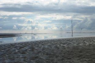 Priel- und Wolkenimpression (Foto: Tore J. Mayland-Quellhorst).