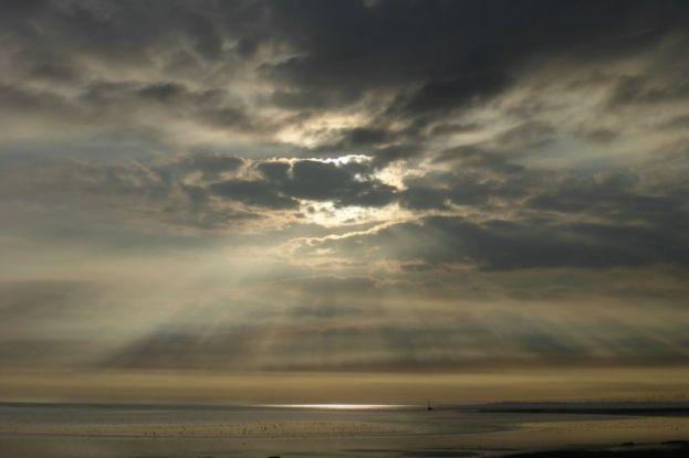 Sonnenstrahlen über Südostbucht (Foto: Tore J. Mayland-Quellhorst).