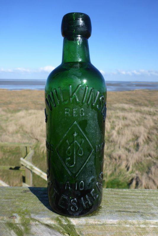 Alte englische Bierflasche aus dem Spülsaum (Foto: Tore J. Mayland-Quellhorst).