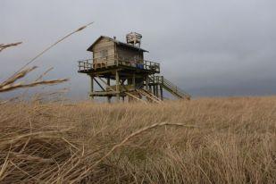 Das neue Heim unter schweren Wolken (Foto: Tore J. Mayland-Quellhorst).