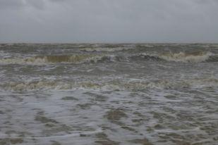 Der Sturm wühlte auch das flache Wattenmeer vor Trischen auf (Foto: Tore J. Mayland-Quellhorst).