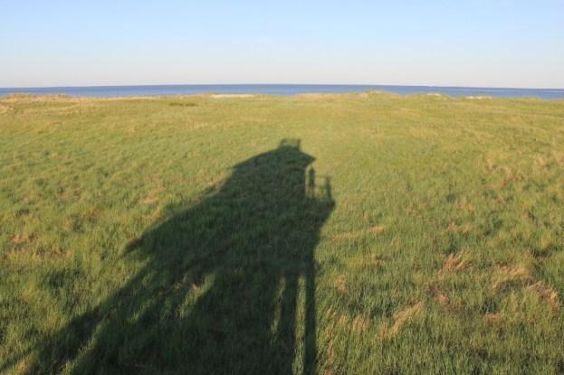 Morgendlicher Schatten der Hütte (Foto: Jonas Kotlarz)