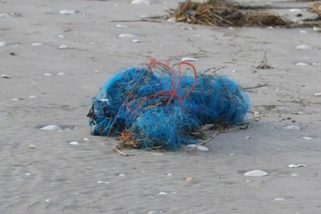 Müll am Strand von Trischen (Foto: Jonas Kotlarz)
