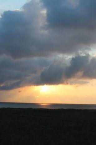 Wenn man so will: auch die Sonne fällt aus den Wolken (Foto: A. de Walmont)