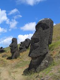 Moai surveying Easter Island Source: http://whc.unesco.org/en/list/715
