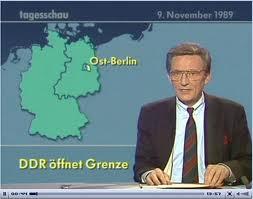 Das ist kein Foto, sondern ein Standbild aus einem Fernsehprogramm - ist das dann urheberrechtlich geschützt, Hufi? Wenn ja, ersetze es doch durch ein Foto von Theo Geißler, der sich zusammen mit mir auch noch an den Mauerfall erinnern kann....