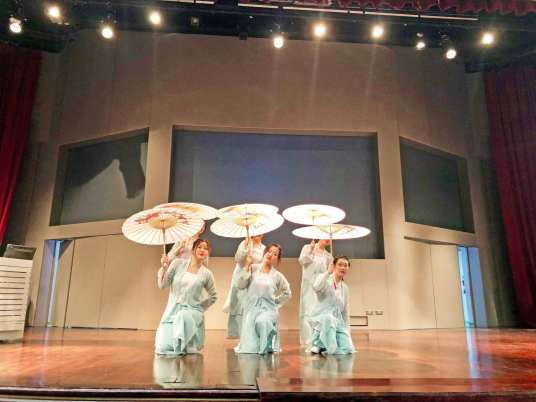 Chinese Cultural Performance by Nanyang Polytechnic students.