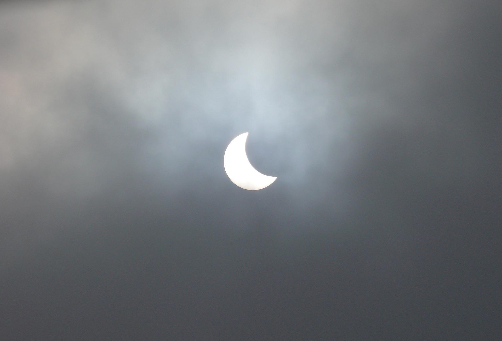 solar-eclipse-2018863_1920