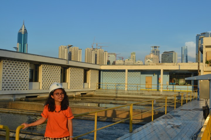 Aldonna at a water plant
