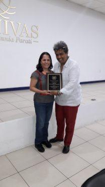 Presentation of plaque to Ana Elisa García Galán - Coordinator of co-production - UNIVAS